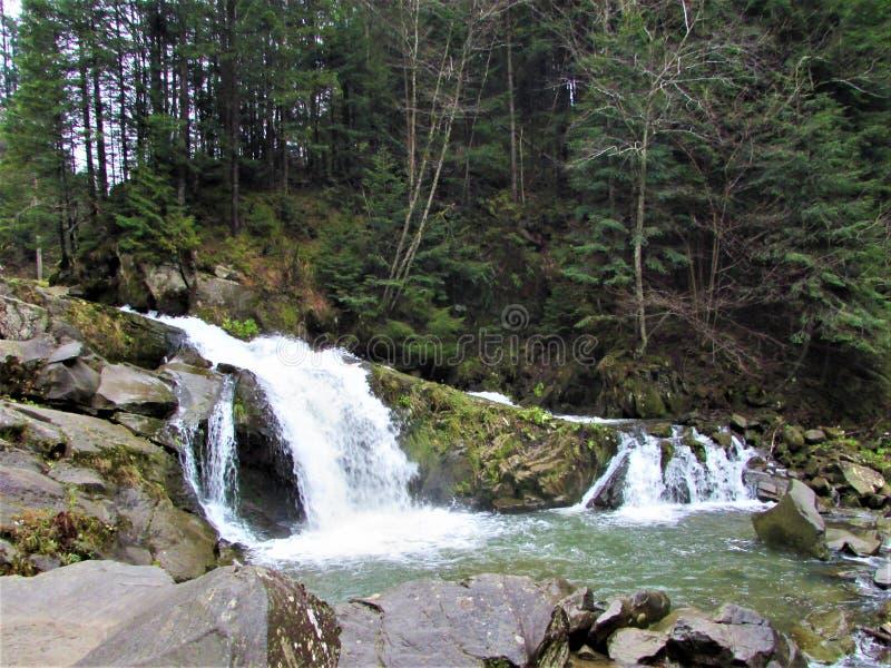 Водопад Kamenka водопад на такого же реки Kamenka имени стоковое изображение rf