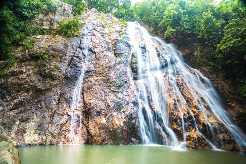 Водопад Namuang на Koh Samui стоковые изображения rf