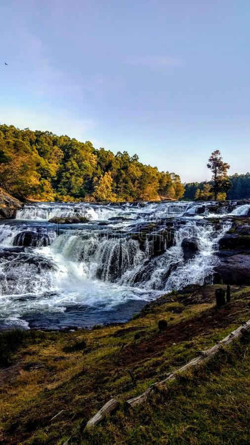 Водопад ooty Tamil Nadu Индия Pyakra стоковые изображения