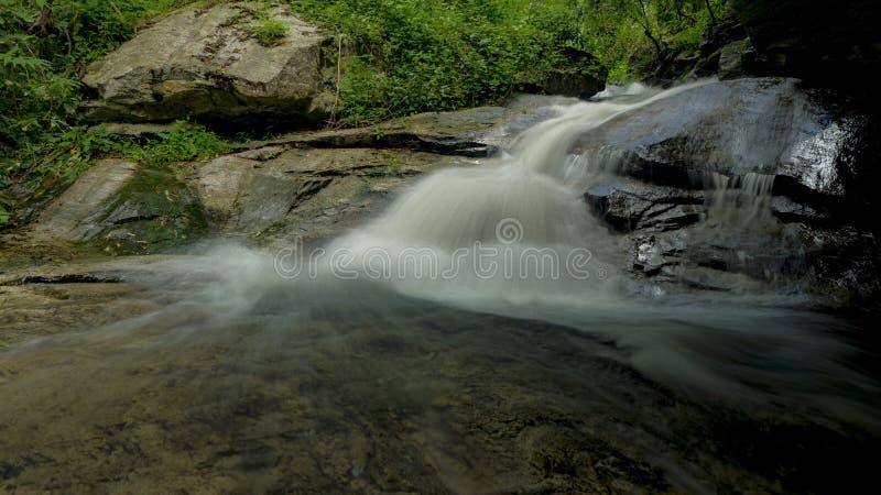 Водопад Sadet рэпа Huai, национальный парк Doi Suthep-Pui, Чиангмай, Таиланд стоковые фото