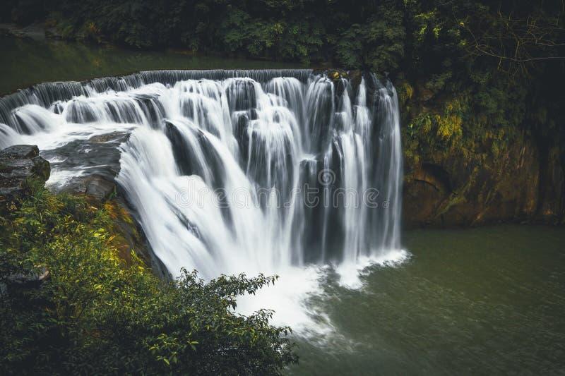Водопад   ShiFen стоковые изображения rf