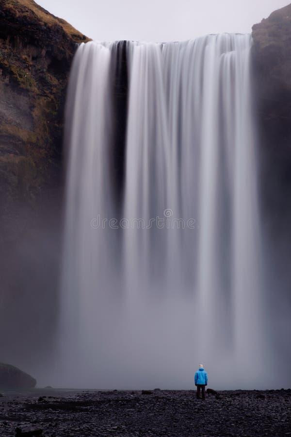 водопад skogafoss Исландии стоковая фотография