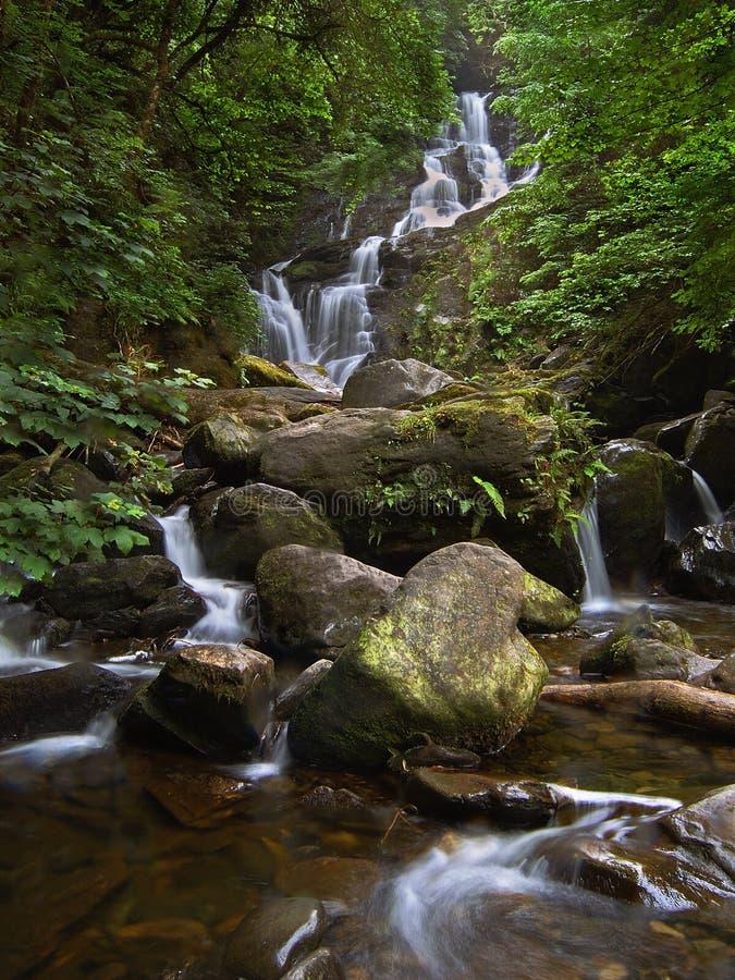 водопад torc Ирландии стоковая фотография rf