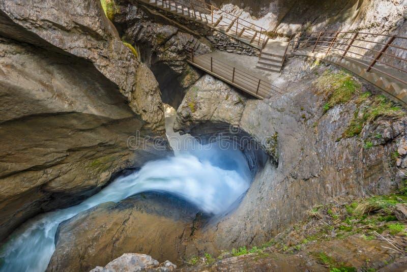 Водопад Trummelbach самый большой водопад в Европе, внутрь стоковые фотографии rf