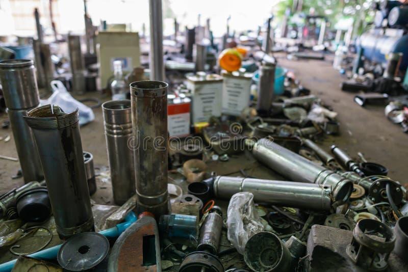 Водопроводные насосы Borehole Pumpswater ждут ремонта в мастерской стоковые изображения