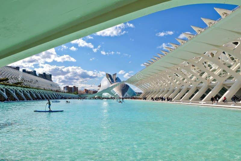 Воды бирюзы, современная архитектура, развлечения в Валенсия стоковые изображения rf