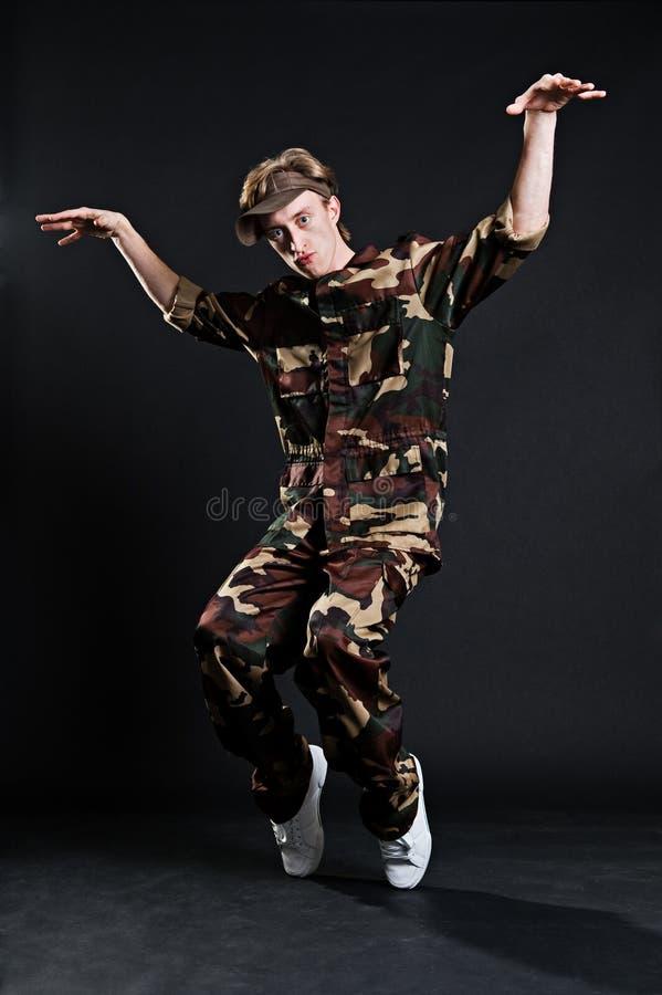 военная форма breakdancer стоковая фотография