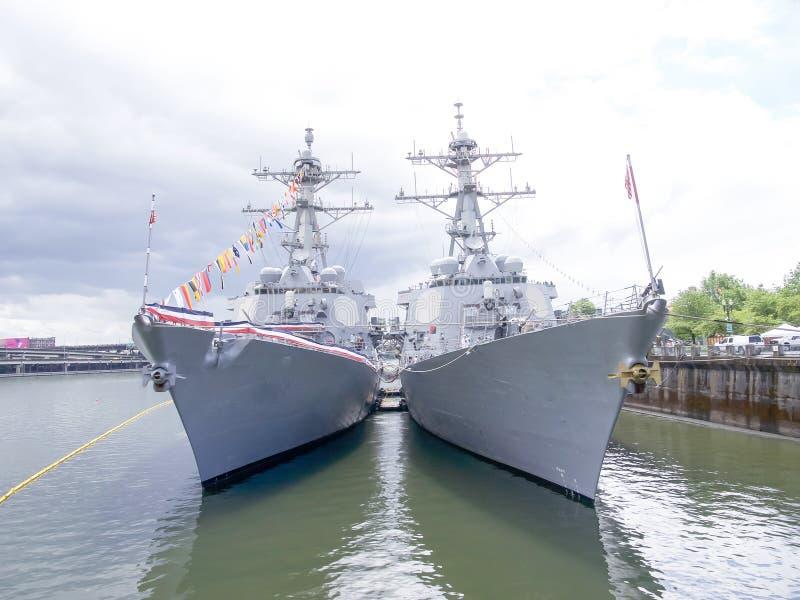 Военный корабль стоковая фотография rf