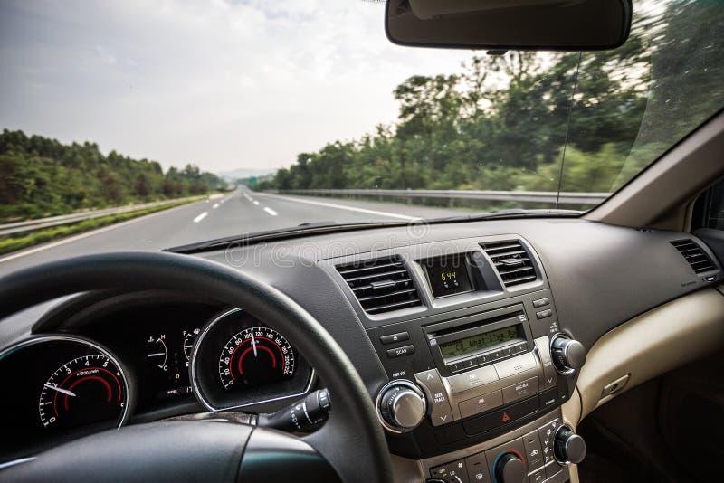 Вождение автомобиля стоковая фотография