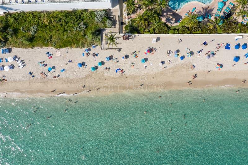 Воздух Сверху До Снизу Около Дня На Пляже стоковая фотография