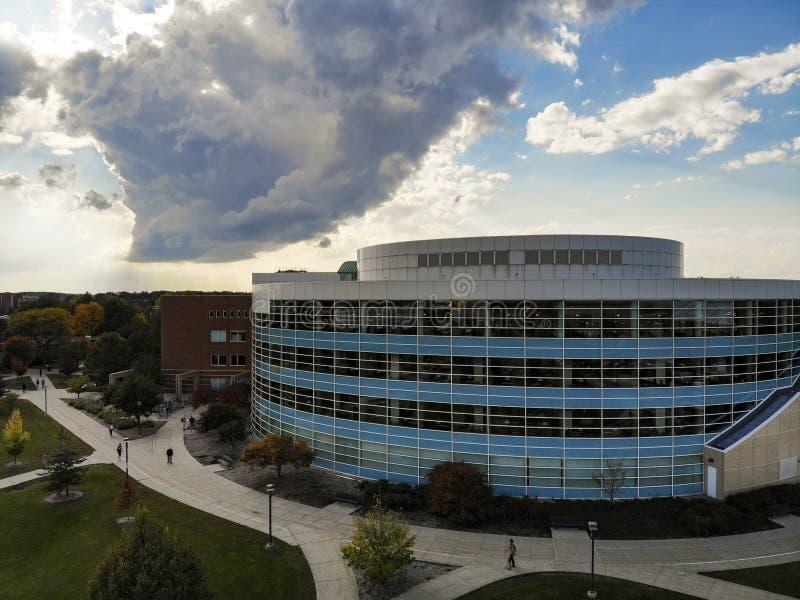 Воздушная библиотека университета стоковая фотография