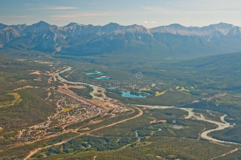 воздушная съемка города banff стоковая фотография rf