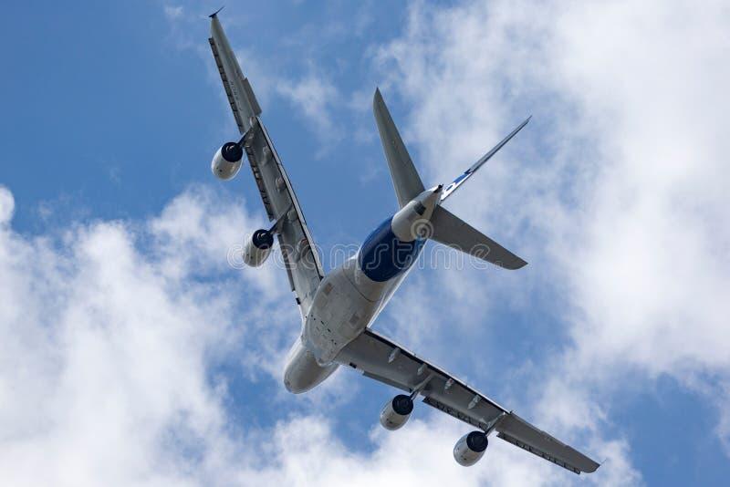 Воздушного судна F-WWOW авиалайнера аэробуса A380-841 большие 4 engined коммерчески стоковые фото
