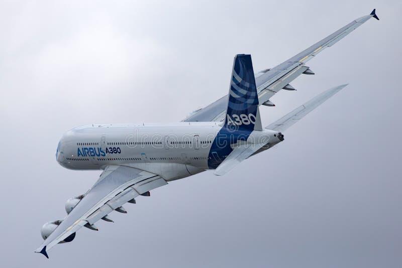 Воздушного судна F-WWOW авиалайнера аэробуса A380-841 большие 4 engined коммерчески стоковая фотография rf