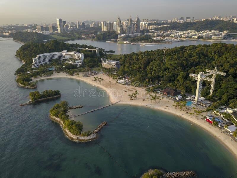 Воздушное изображение пляжа Siloso, на острове Сингапуре Sentosa стоковая фотография rf