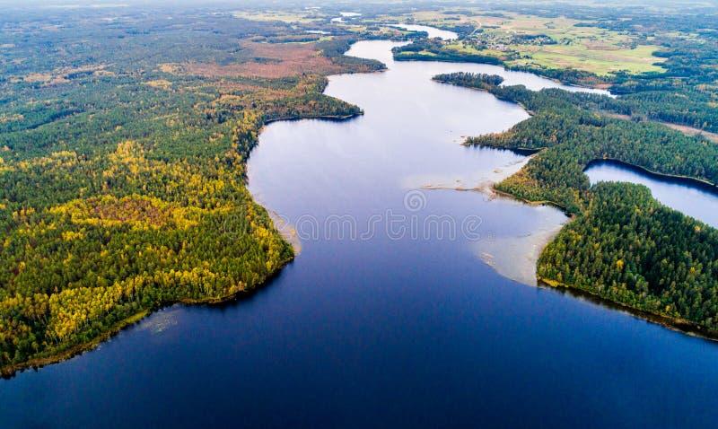 воздушное фотографирование, сценарный взгляд озер стоковое изображение rf