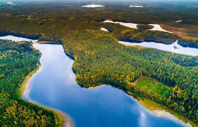 воздушное фотографирование, сценарный взгляд озер стоковая фотография rf