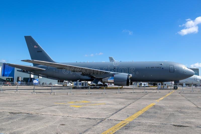 Воздушные судн воздушного танкера Боинга KC-46 Пегаса военновоздушной силы США стоковая фотография rf