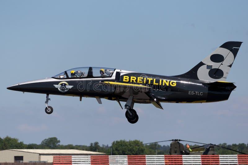 Воздушные судн тренера ES-TLC двигателя альбатроса команды Aero L-39C двигателя Breitling стоковая фотография rf