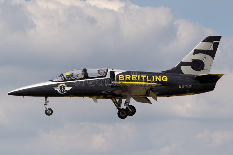 Воздушные судн тренера ES-TLF двигателя альбатроса команды Aero L-39C двигателя Breitling стоковое изображение rf