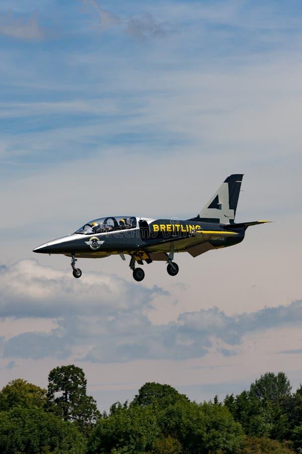 Воздушные судн тренера ES-TLG двигателя альбатроса команды Aero L-39C двигателя Breitling стоковая фотография rf