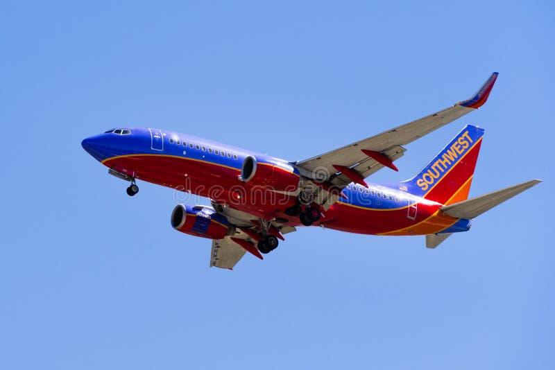 Воздушные судн Southwest Airlines летания стоковое изображение