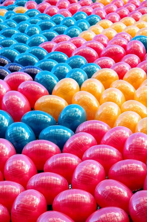 Download воздушные шары предпосылки стоковое фото. изображение насчитывающей цирк - 486436