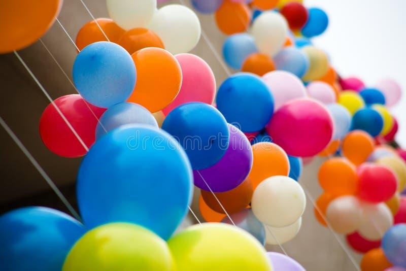 воздушные шары цветастые стоковое изображение rf