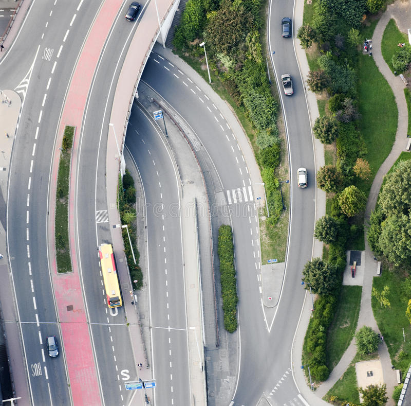 воздушный взгляд дорог скрещивания стоковое изображение