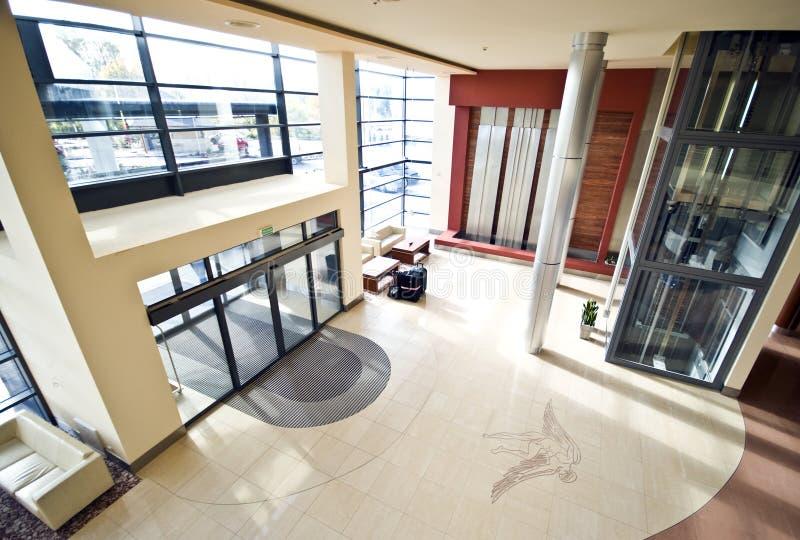 воздушный взгляд лобби гостиницы стоковое изображение rf