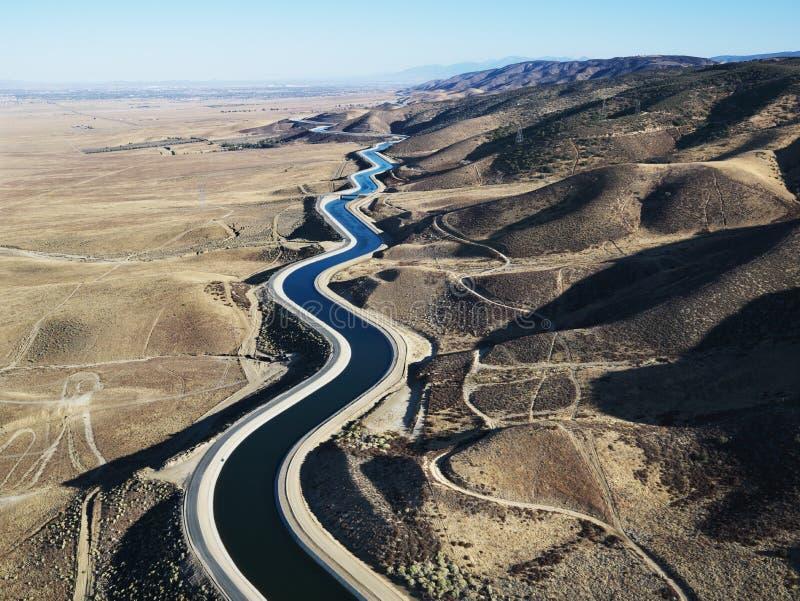 воздушный взгляд мост-водовода стоковые изображения rf