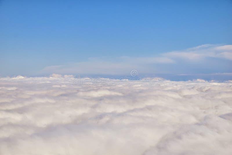 Воздушный взгляд Cloudscape над Нашвилл на полете над Теннесси во время осени Большие широкие взгляды ландшафта и облаков Взгляды стоковые фотографии rf