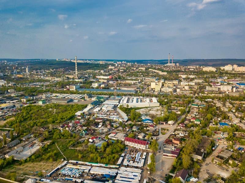 Воздушный вид на город промышленной зоны в южной части города Kishinev стоковое фото