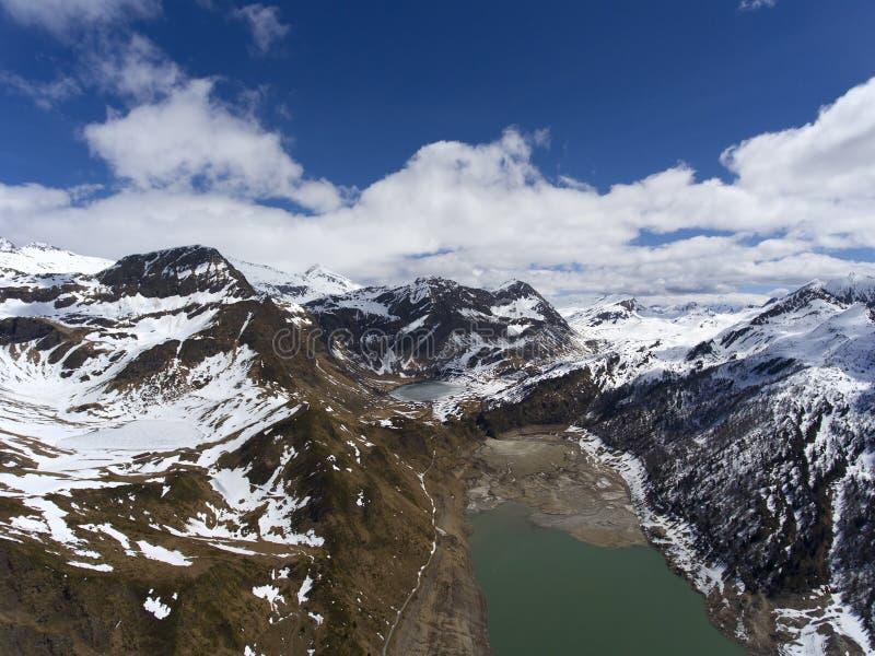 Воздушный ландшафт горы в Швейцарии стоковые фотографии rf