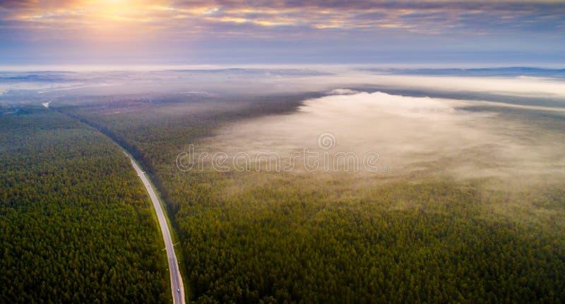 Воздушный ландшафт рассвета утра стоковое изображение rf
