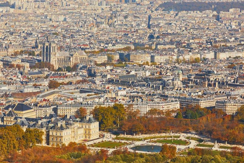 Воздушный сценарный взгляд центрального Парижа стоковая фотография rf