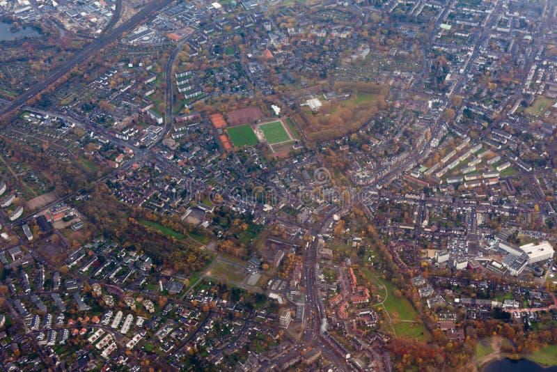воздушный dusseldorf Германия outskirts взгляд стоковые фотографии rf