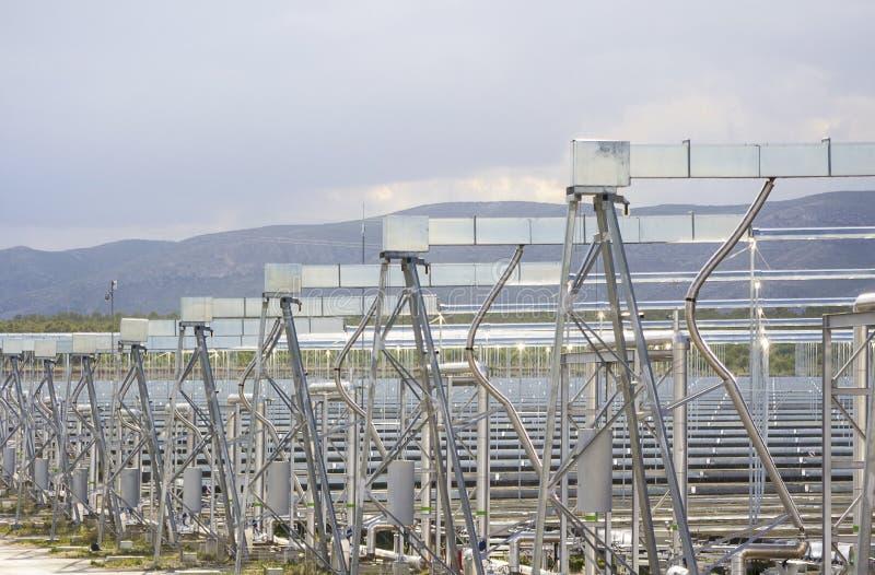 Возобновляющая энергия: Солнечный: Самый новый и самый чистый путь побуждать стоковые фото
