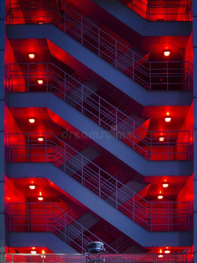 Воздушная тревога красная в рассвете стоковые изображения