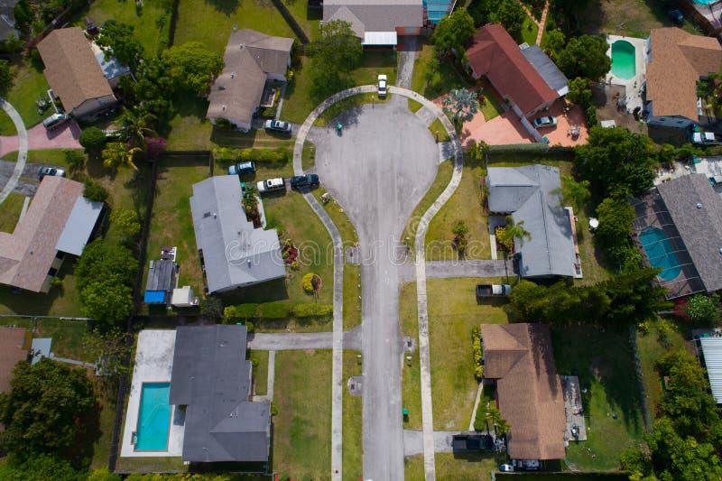 Воздушное изображение cul-de-sac в жилом районе стоковое изображение