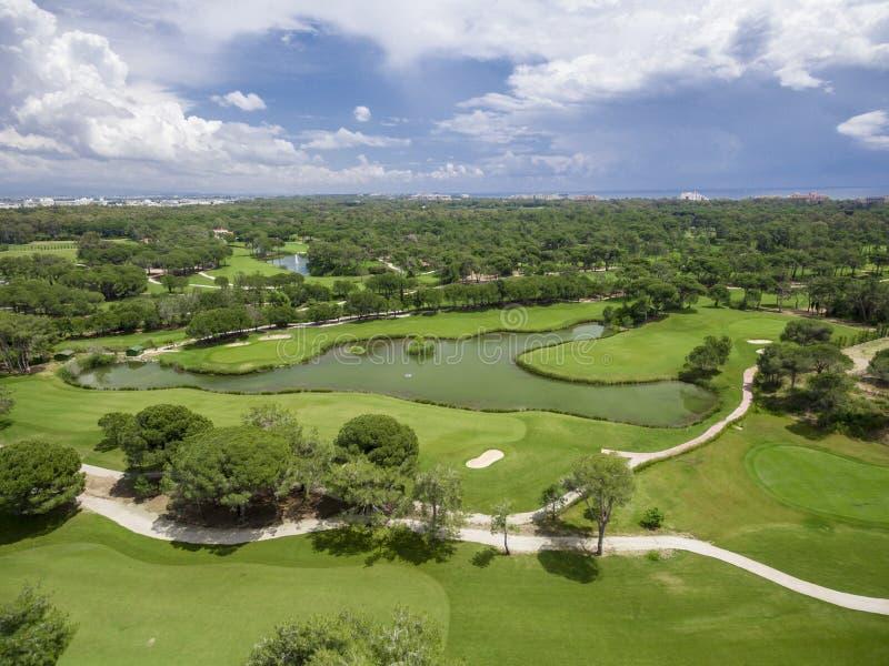 Воздушное поле для гольфа стоковые изображения