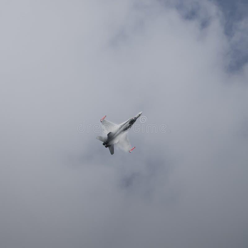 Воздушные судн реактивного истребителя в полете стоковое изображение rf