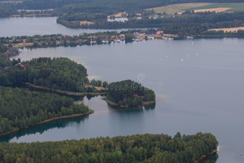 воздушный взгляд озера стоковое изображение