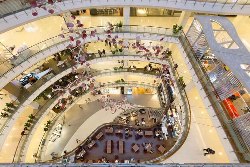 Воздушный внутренний взгляд центрального мира стоковые изображения