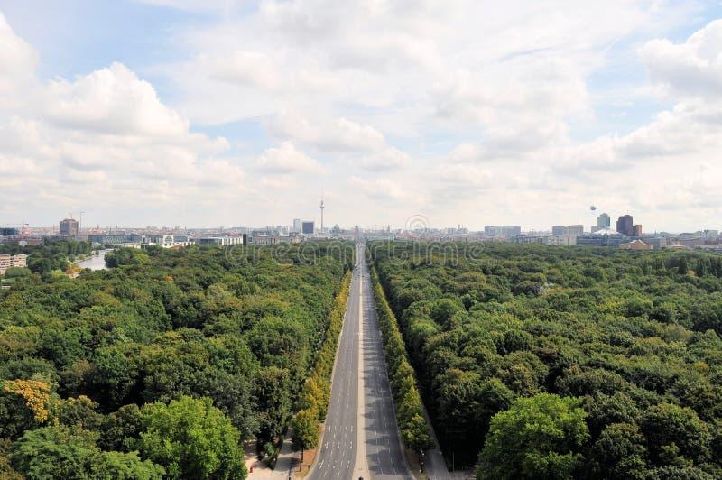 Воздушный городской пейзаж Берлина с парком Tiergarten стоковые фото