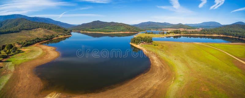 Воздушный панорамный ландшафт буйвола озера Высокогорное графство, Виктор стоковые фото