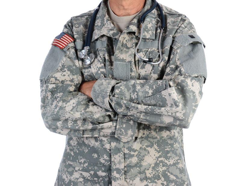 Воинский доктор в форме боя стоковое изображение rf
