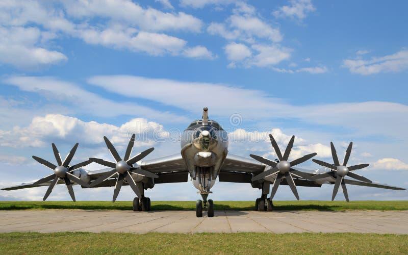 Воинский самолет бомбардировщика стоковые изображения rf
