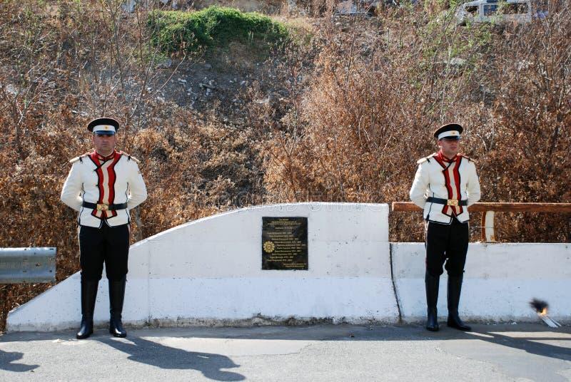 Воин в форме македонской армии стоковое изображение