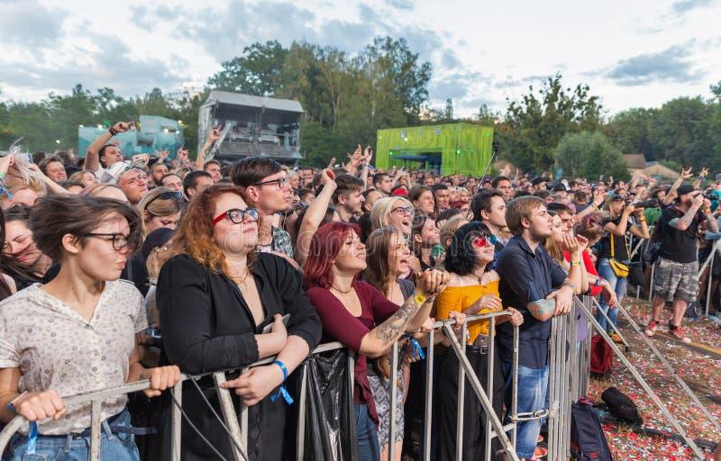 Войдите Shikari выполняет в реальном маштабе времени на фестивале выходных атласа Киев, Украин стоковая фотография rf